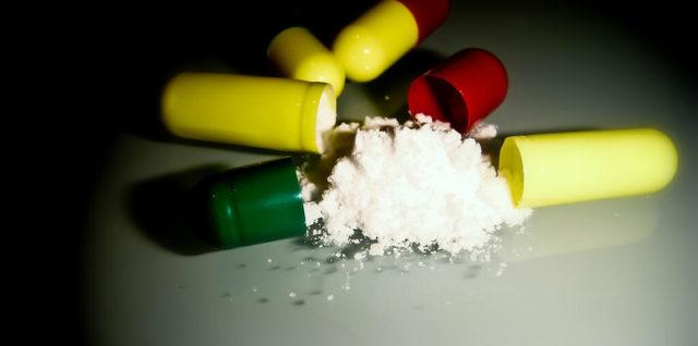 des médicaments Pain Killers par Kurtis Garbutt CC-BY-SA 2.0 Source : Flickr